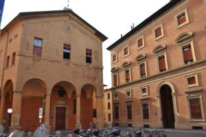 Piazzetta della pioggia. Workshop in Bologna about the Havas New Approach