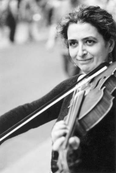 Monica Cuneo - Viola player