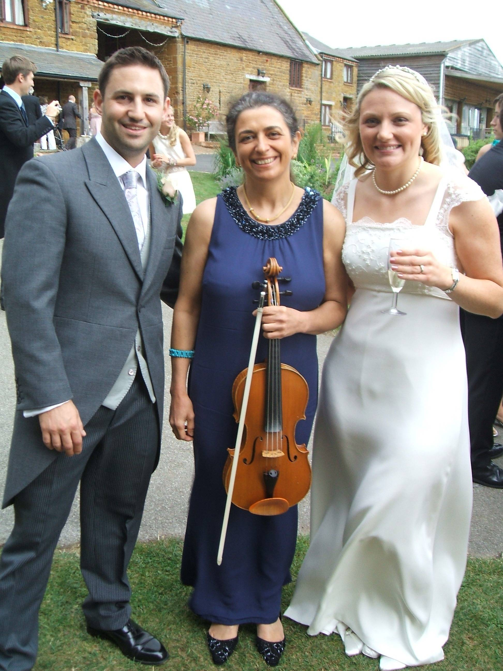 Professional wedding musician in Oxford. Violin, viola. Ceremony, reception, your favourite music played on the mellow viola