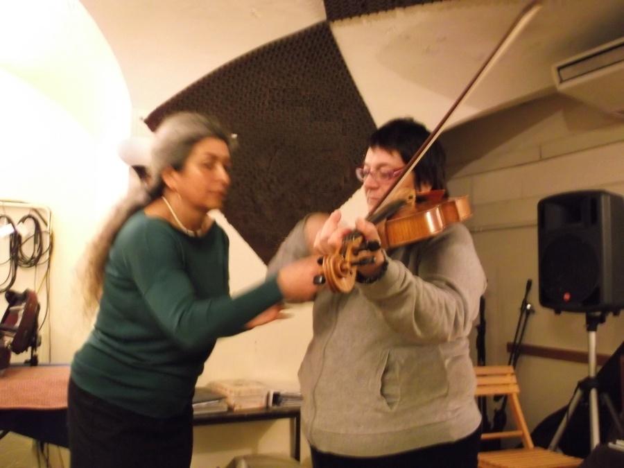 Prima lezione di violino col Nuovo Approccio Havas
