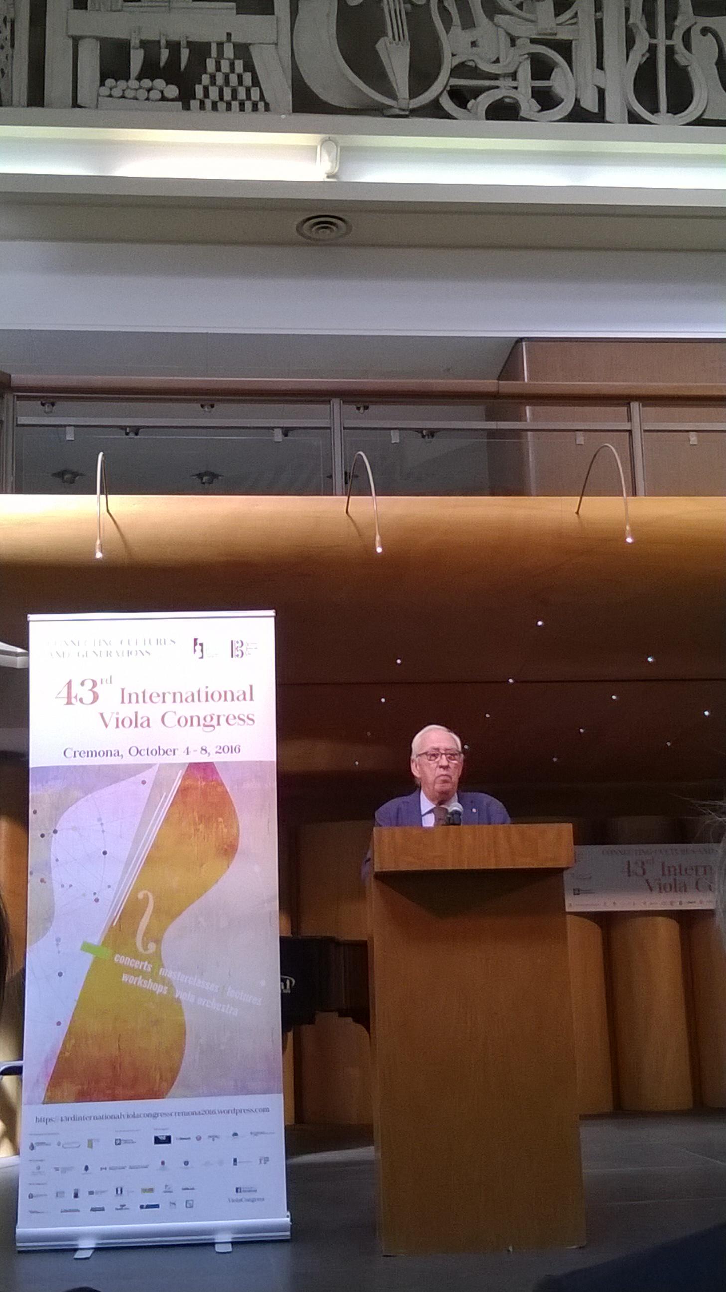 Maestro Bruno Giuranna opening the 43rd International Viola Congress in Cremona