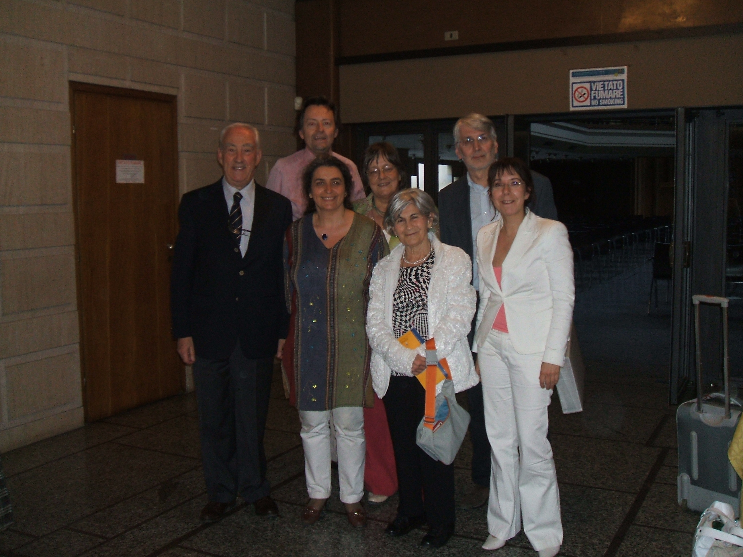 Riunione ESTA Italia a Cremona, 2008. Nella foto, da sinistra: 1a fila: Bruno Giuranna, Monica Cuneo, Kato Havas, Caroline Duffner; 2a fila: Ennio Francescato, Satu Jalas, Roberto Moro