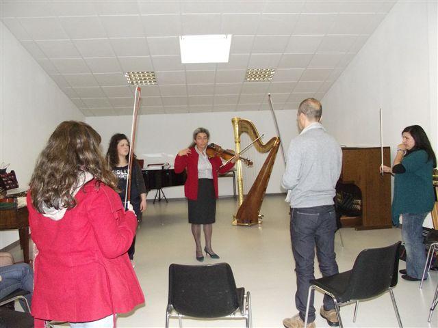 Seminario sul Nuovo Approccio tenuto al Conservatorio di Musica Luigi Canepa di Sassari da Monica Cuneo
