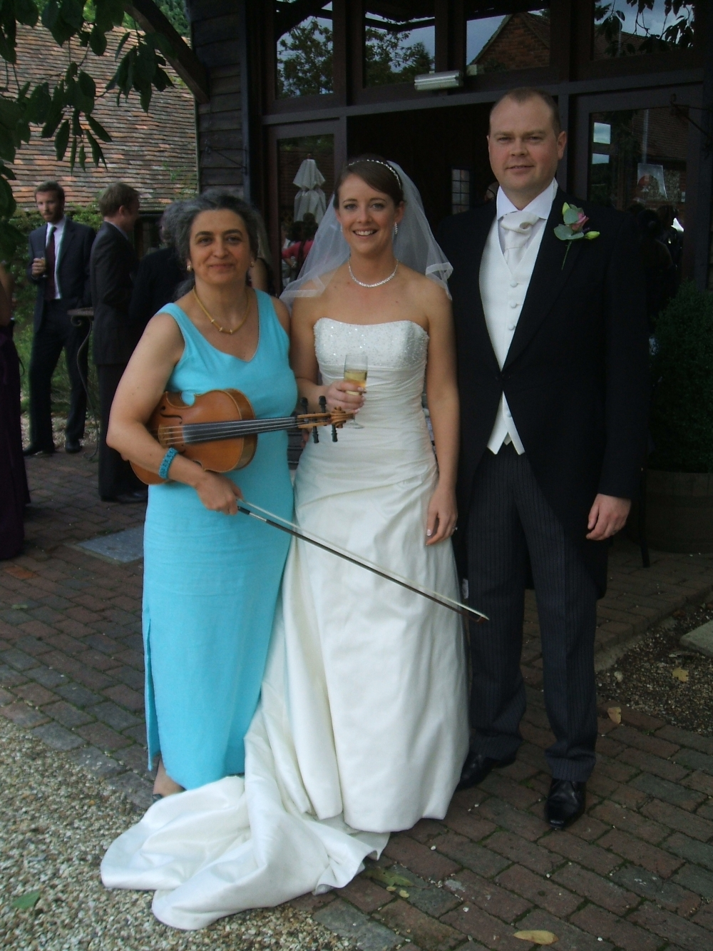Wedding musician with bride and groom at Bix Manor, near Oxford